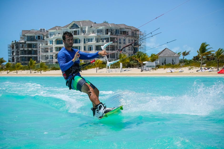 Choose a fitting kite surfing board